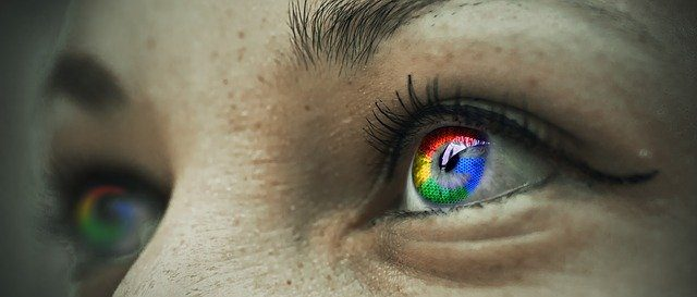 eye with google reflection